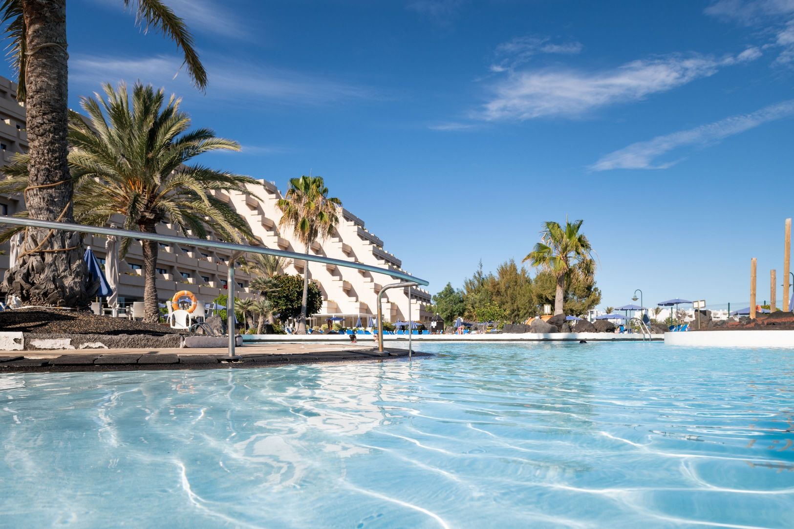 services drinks grand hotel teguise playa