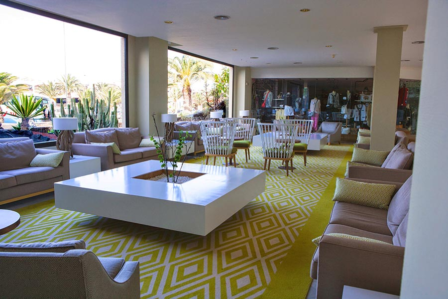 lobby services grand hotel teguise playa