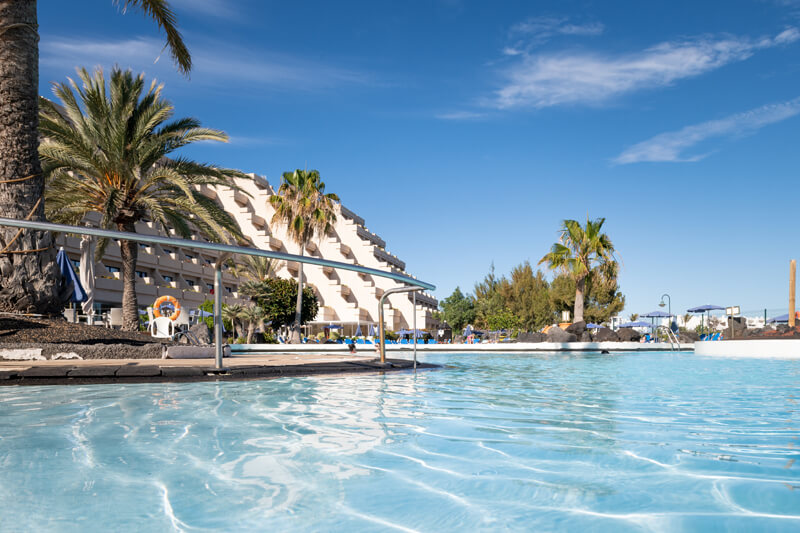 piscines servicies grand hotel teguise playa